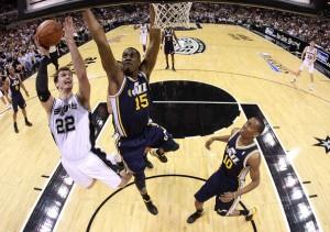 Derrick+Favors+Utah+Jazz+v+San+Antonio+Spurs+Gq5Wya0FJAHl