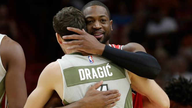 Note-A-Bulls: Wade, Bulls, emerge victorious in the 305