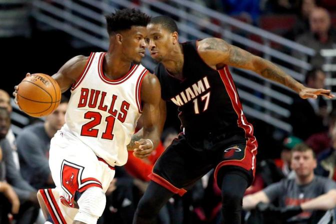 Note-A-Bulls: Bulls hang on to win a close one over the Heat at the UC